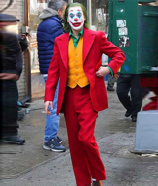 Joker Joaquin Phoenix Red Suit